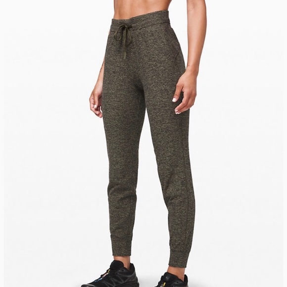 lululemon athletica Pants - Lululemon NWT Ready To Rulu Jogger Size 2